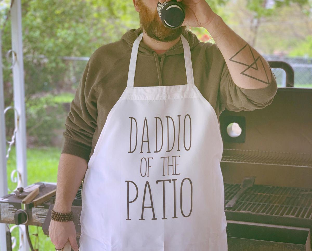 Daddio Of The Patio - Funny BBQ Apron - Hilarious Dad Apron