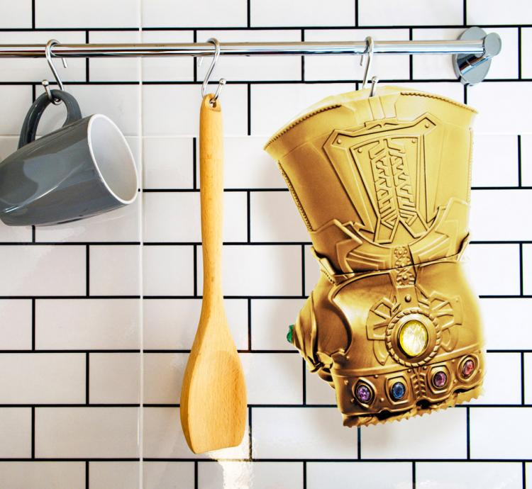 Infinity Gauntlet Meat Tenderizer - Avengers Thanos cooking gadget