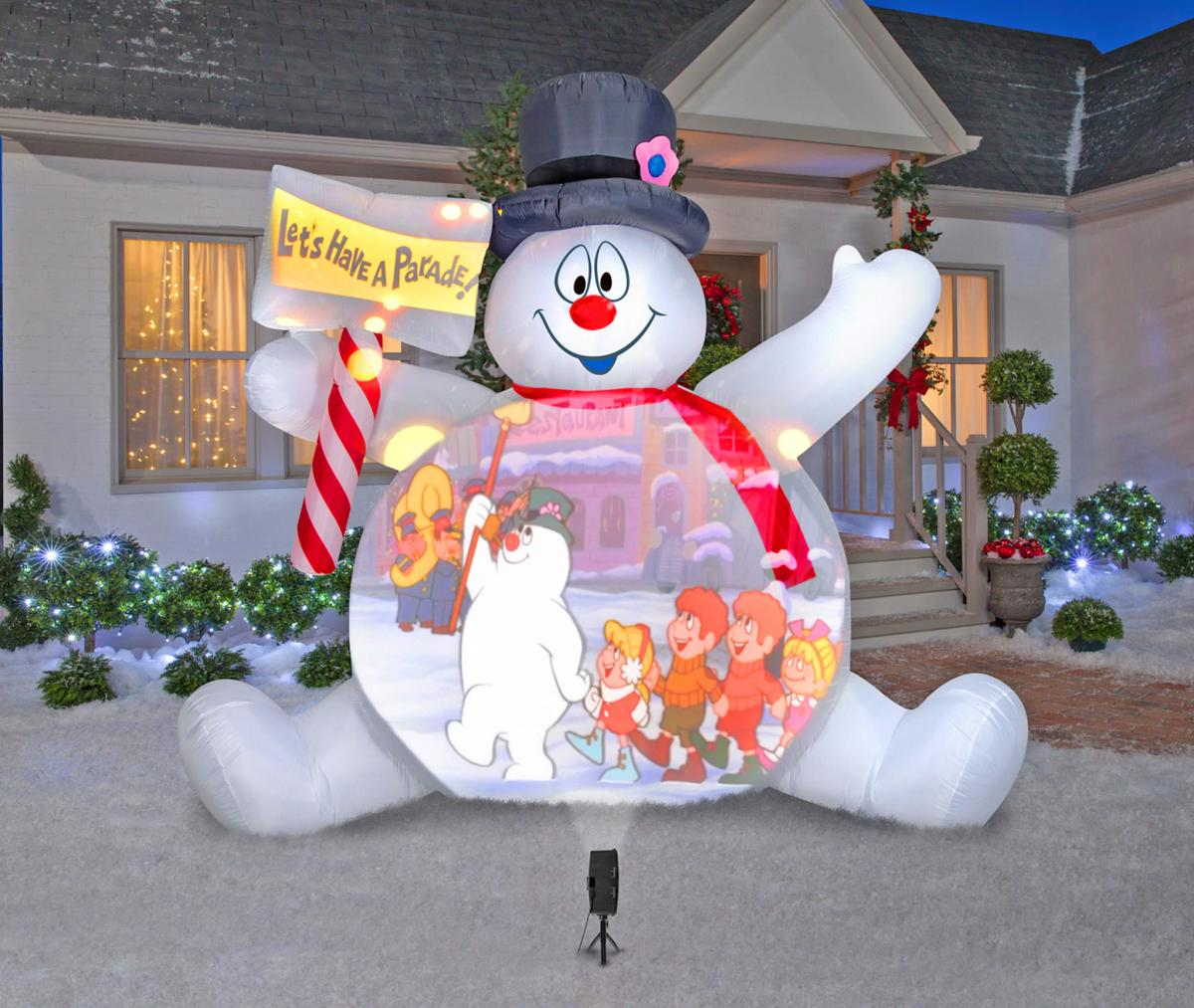 Giant Inflatable Frosty The Snowman Plays Movies On His Belly - Frosty movie projection screen