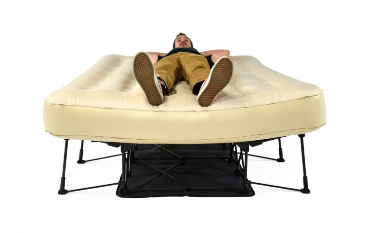 Ivation EZ-Bed - Inflatable air bed that sets up on its own