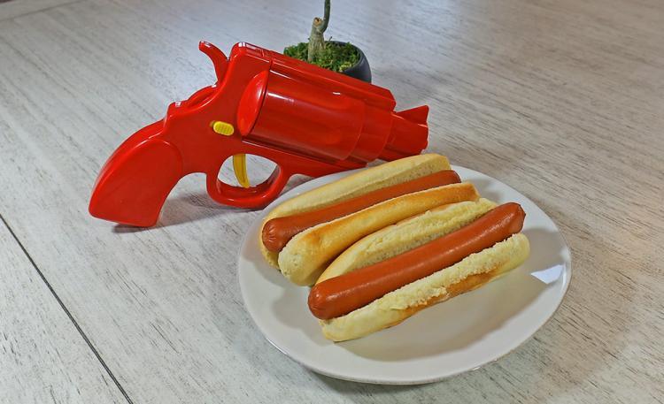 Condiment Gun - Gun shaped ketchup and mustard dispenser