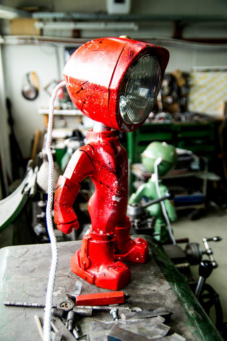 Lampster Vintage Robot Lamp - Controlled From Your Phone