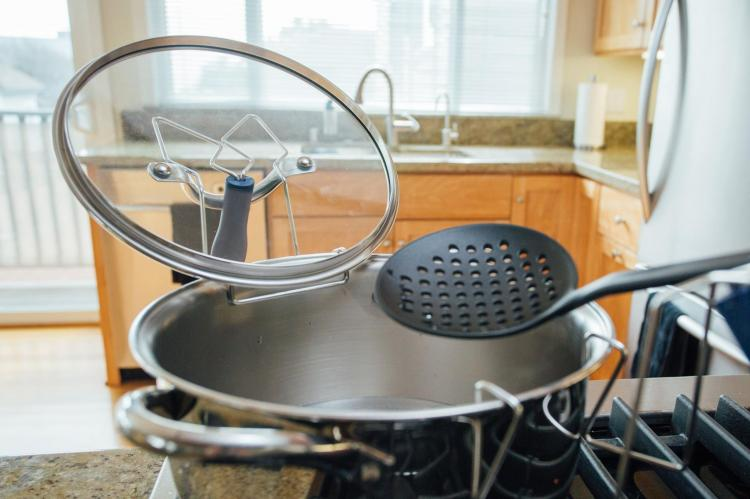 LidSitter Cooking Pot Lid Holder