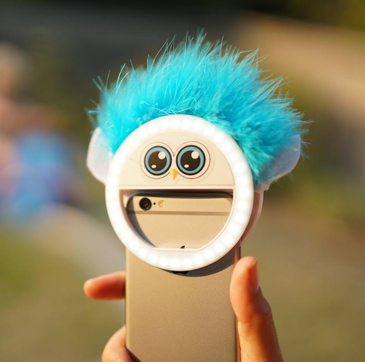 LookAtMommy Smart Phone Toy Attachmnent gets kids to look at camera - Perfect pictures of children with light-up smart phone toy