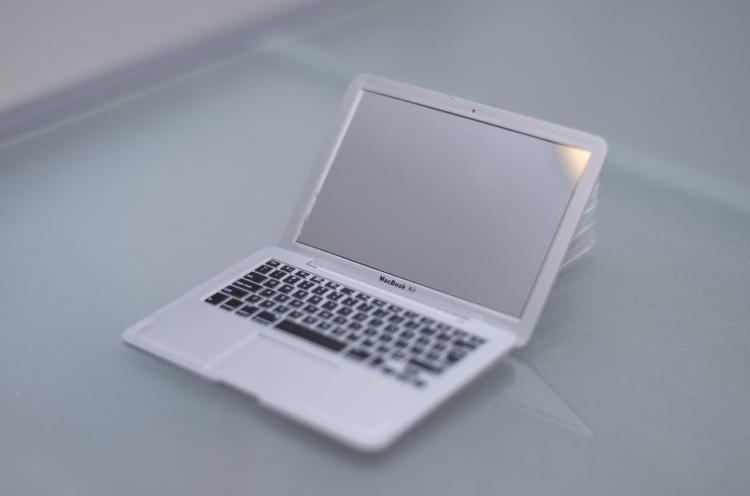Mini MacBook Air Compact Mirror