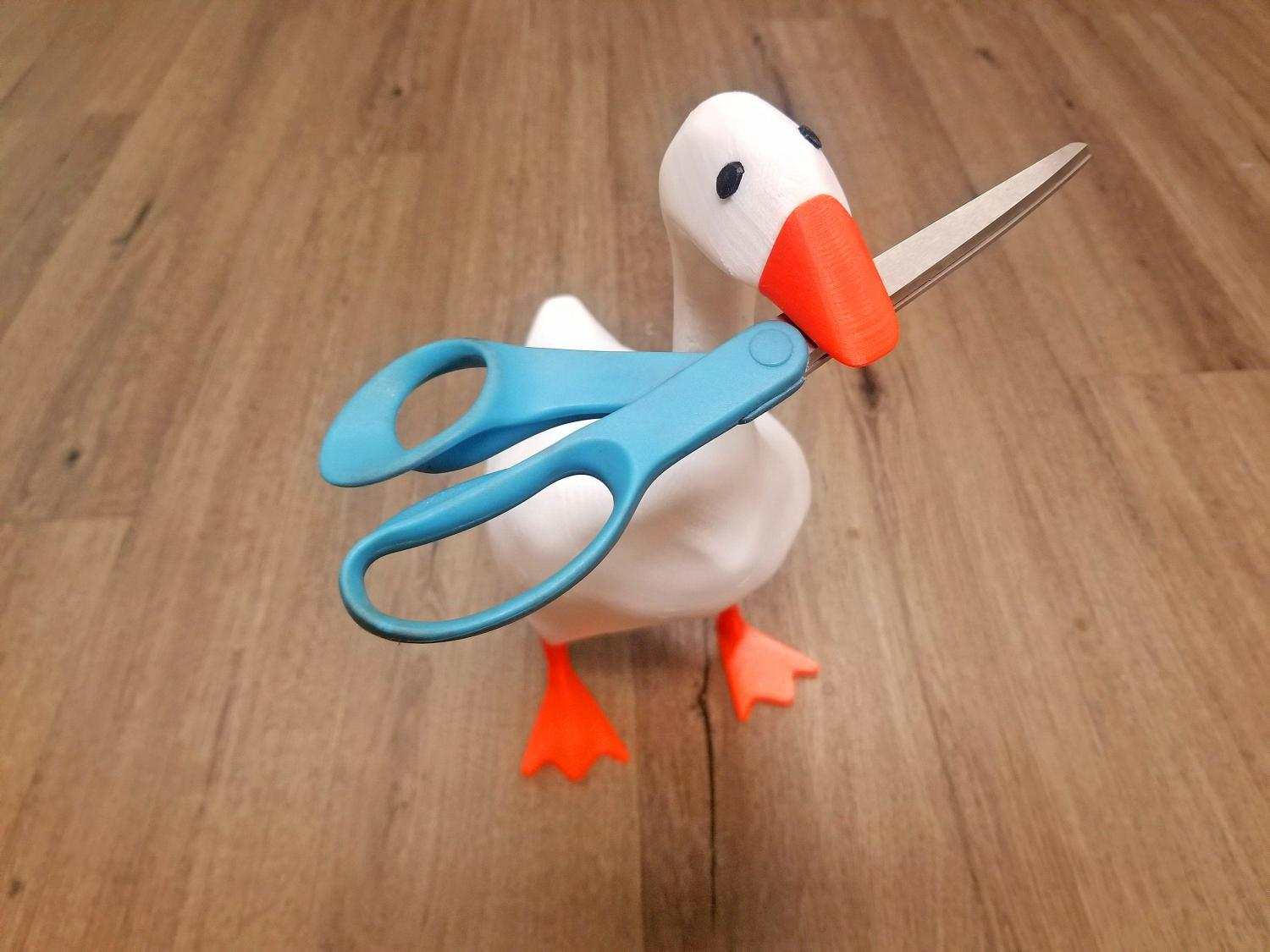 Magnetic Goose - 3D printed goose with magnet in beak