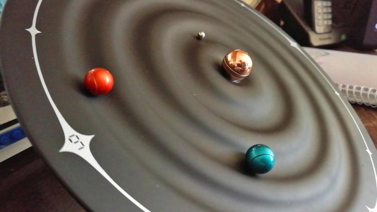 Magnetic Solar System Clock Uses Rotating Planets To Tell Time - Galaxy Magnetic Clock
