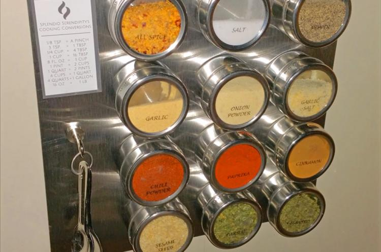 Magnetic Spice Tins Attach To Your Refrigerator - Wall mounted magnetic spice rack - clear glass spice tins