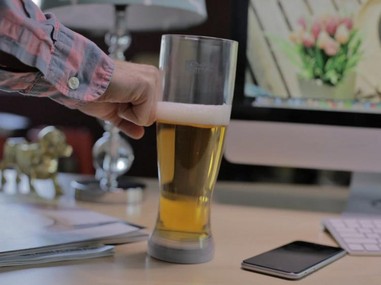 Mighty Mug Barware: Bar Glasses That Won't Tip Over