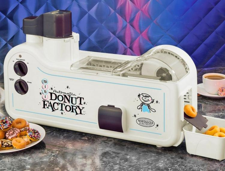 Mini Donut Factory - Mini Donut Maker Lets You Make Mini Donuts at Home
