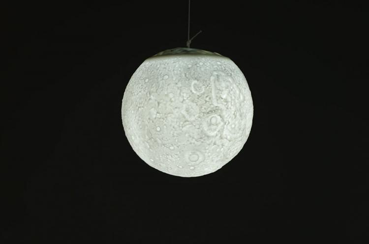 Moon Night-Light - Lunar Lamp - Glowing Moon Lamp - Tap to turn it on/off