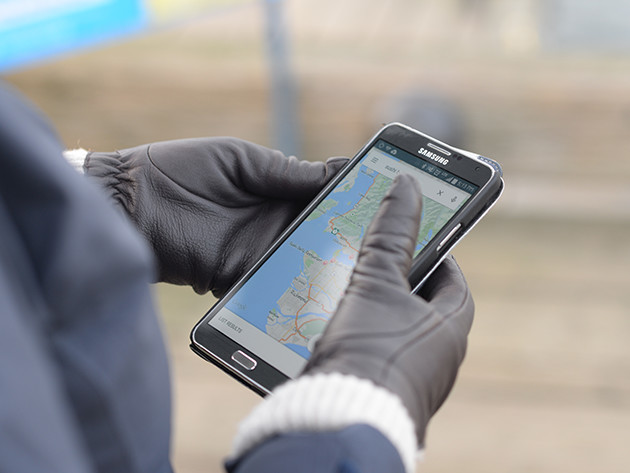 Nanotips Gloves - Makes your gloves usable on smartphone