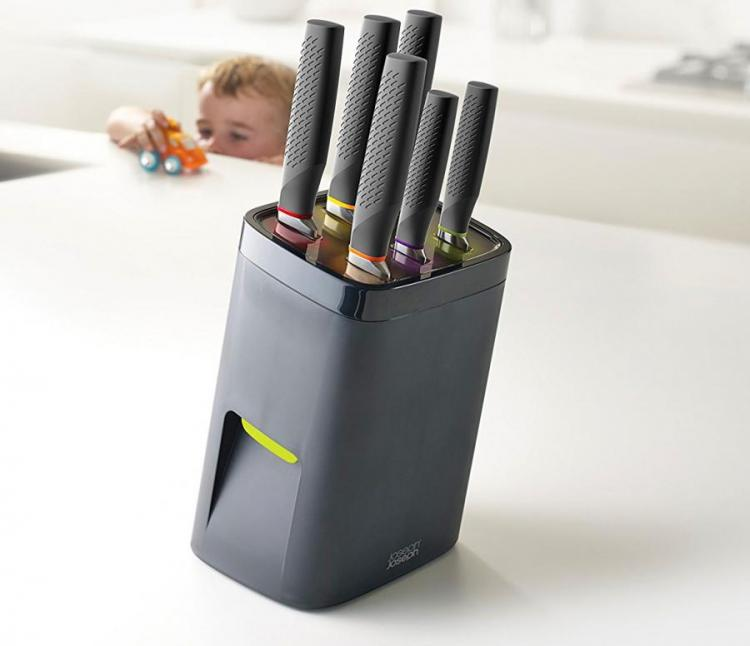 Child-Proof Knife Block Which Requires Adult-Sized Hands To Remove Knives