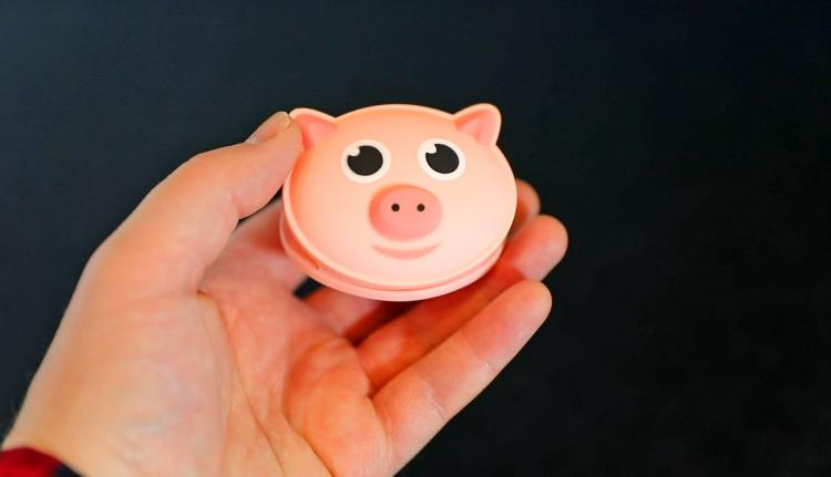 Pig Shaped Bag Clip Oinks When You Open It - Diet bag clip