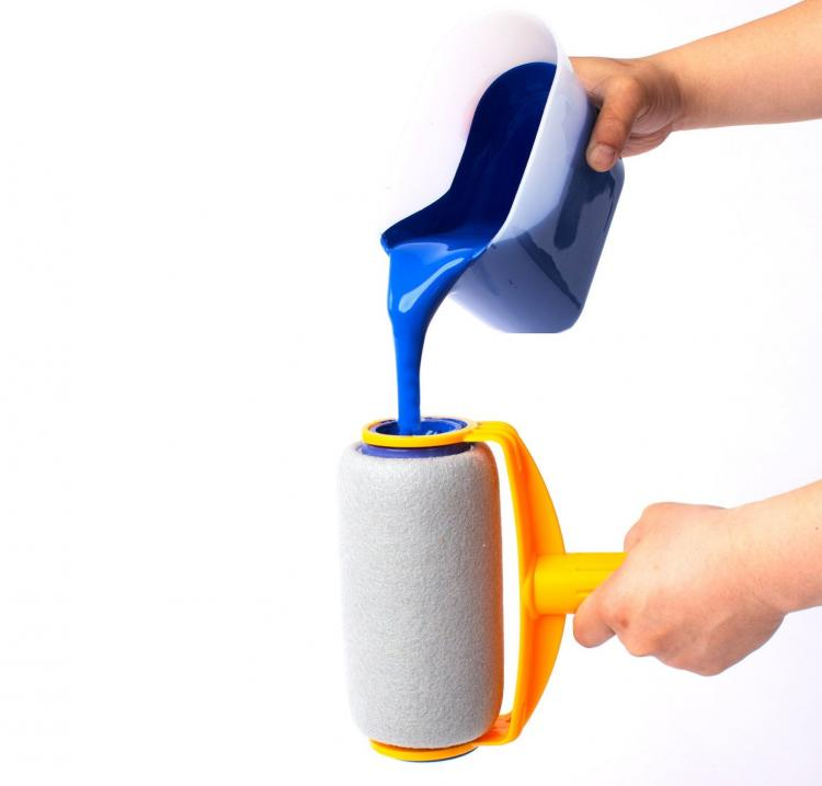 Paint runner a non drip paint roller that stores paint for Paint pros