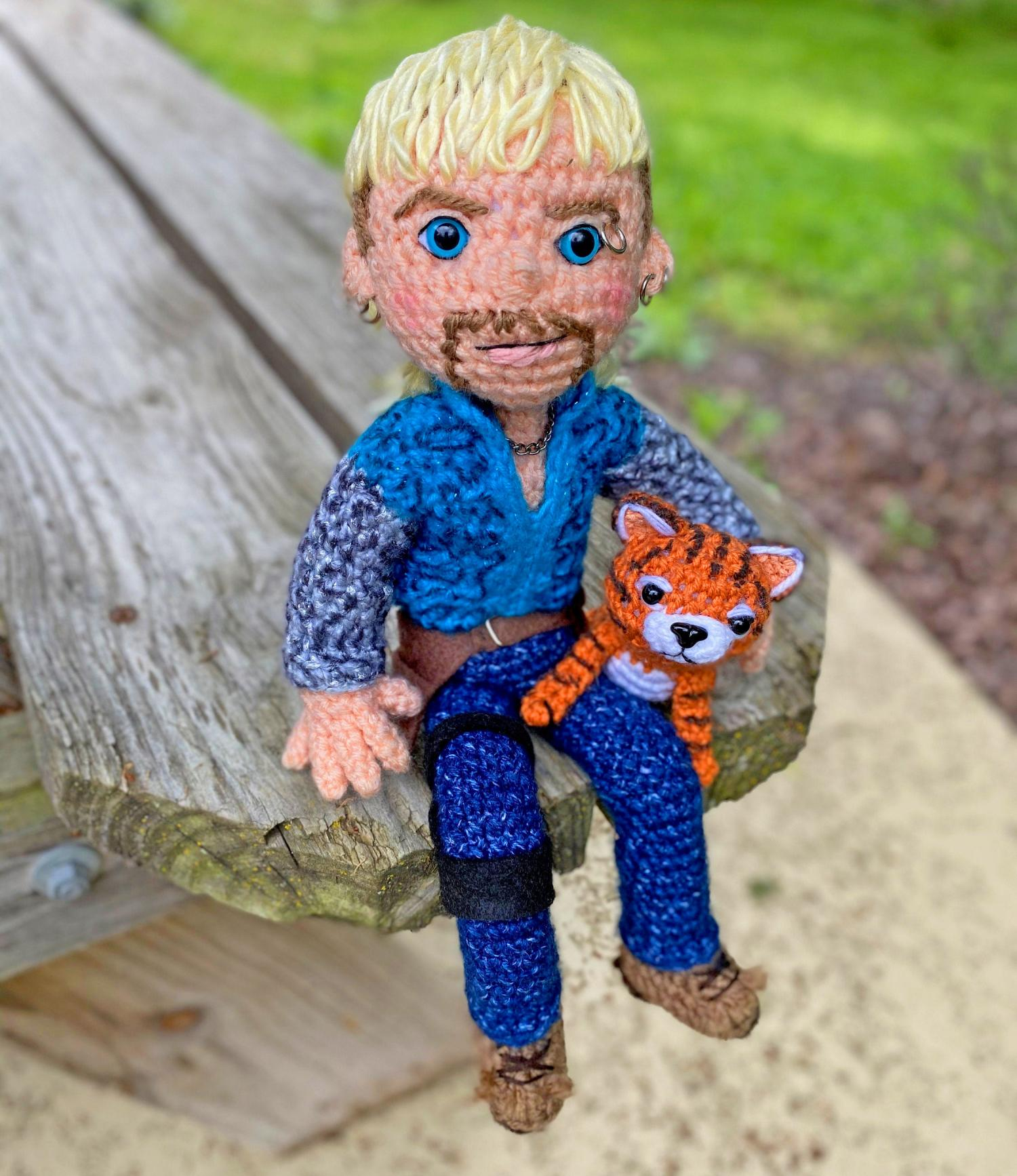 Romeo the Tiger amigurumi pattern - Amigurumi Today | 1734x1500