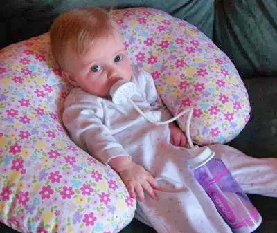 Podee Hands Free Baby Bottle Feeder System