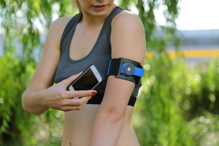 Quad Lock Versatile Phone Mounting System - Mount Your Phone On Arm While Jogging