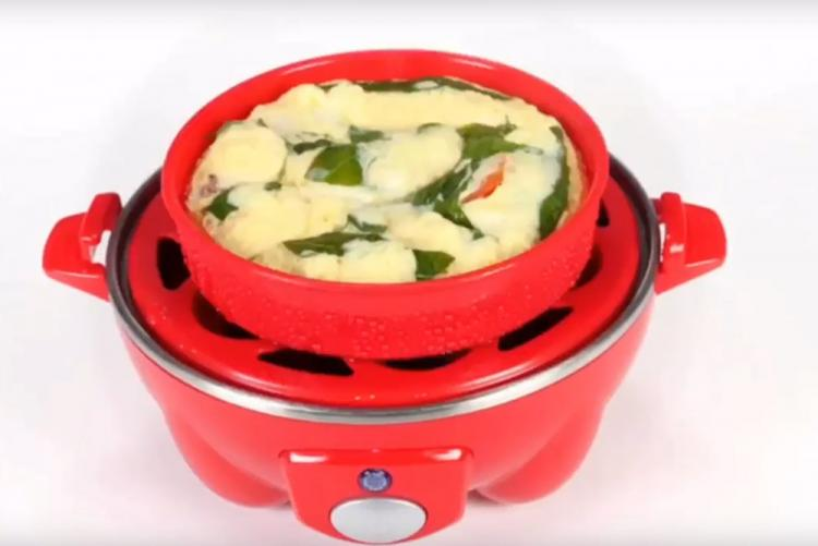 Dash Rapid Egg Cooker Hard-Boils 6 Eggs Without Having To Boil Water - Best Egg cooking gadget