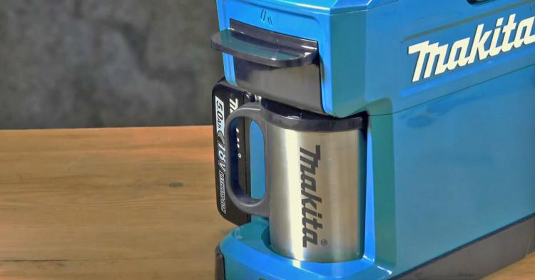 Makita Ultra-rugged  portable job site coffee maker is powered by power tool batteries - Construction site coffee maker