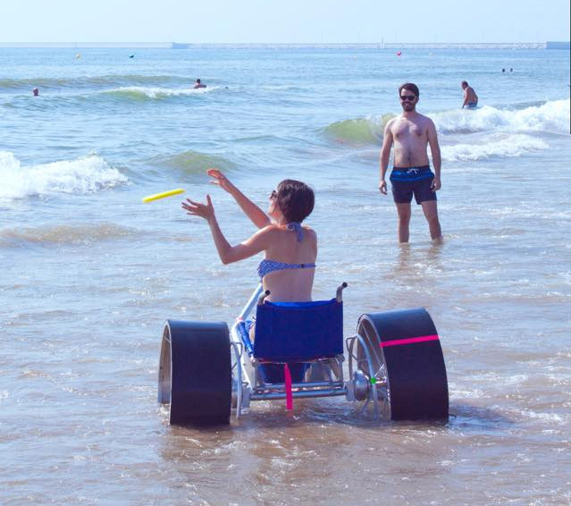 SandRoller - Giant Wheeled Beach Sand Wheelchair