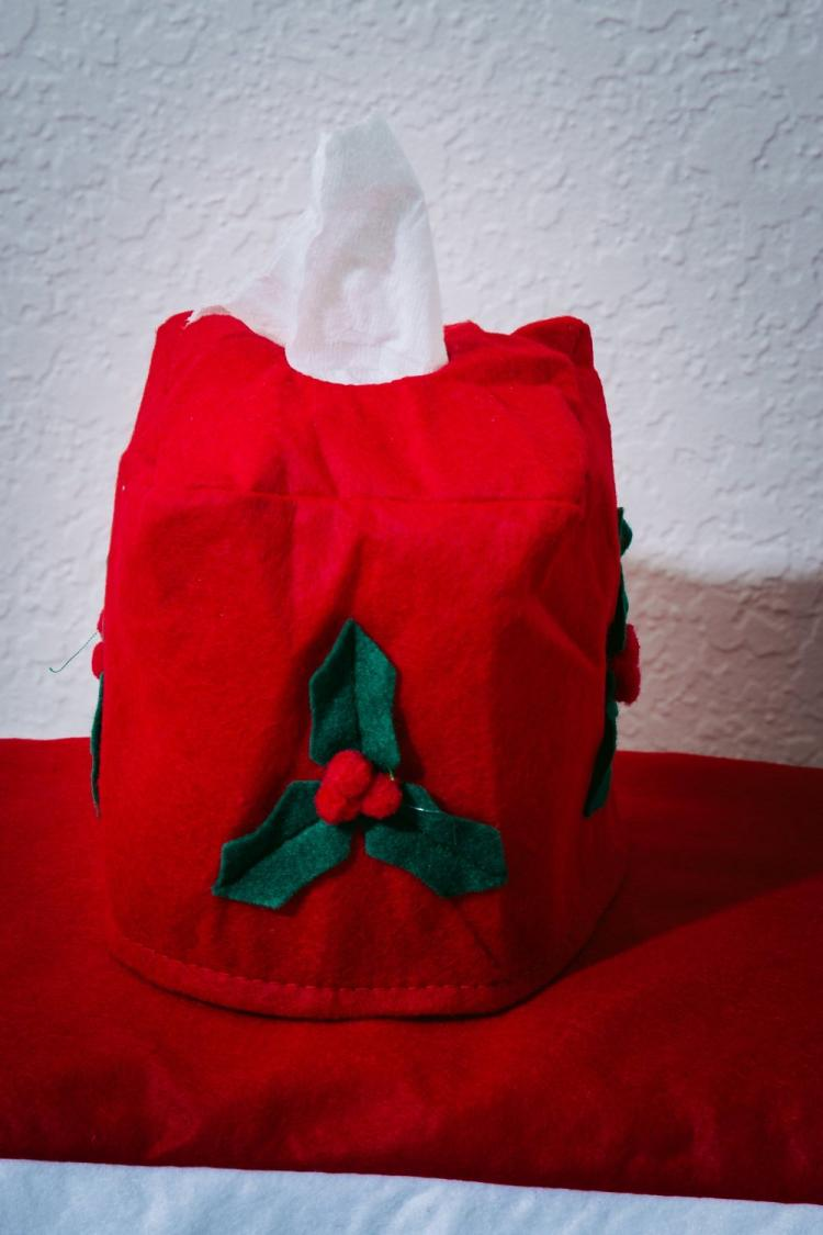 Santa Toilet Cover And Rug Set With Integrated Tissue Box