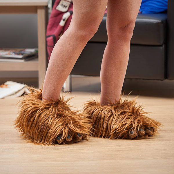 Star Wars Chewbacca Slippers - Screaming Chewbacca Slippers - Sound making wookie slippers