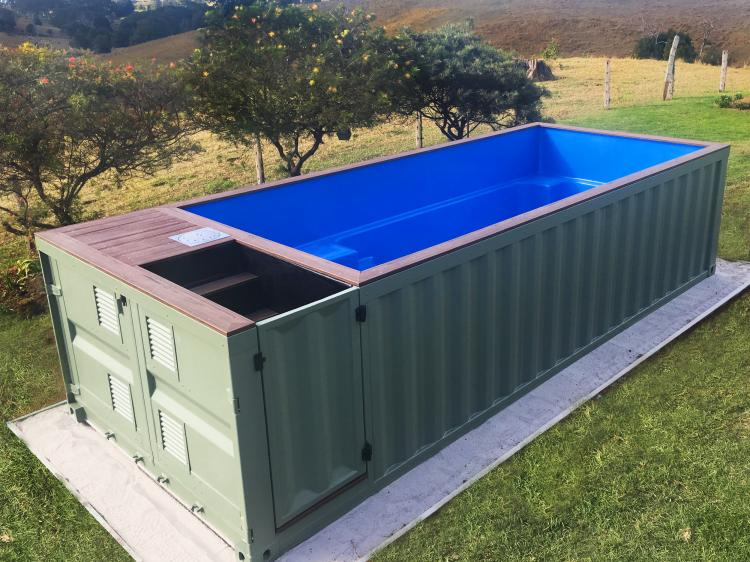 Shipping container pools for Amenager un container