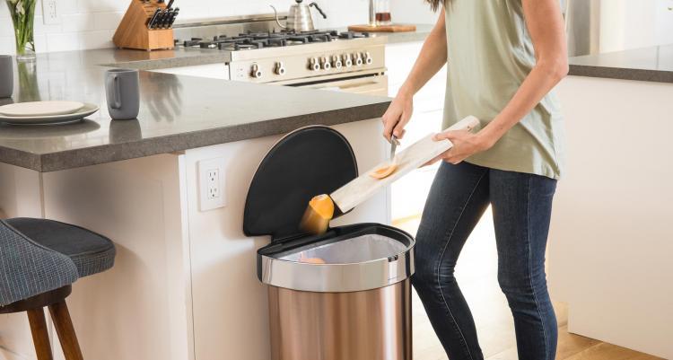 Simplehuman Modern Trash Can Has Auto Opening Sensor And