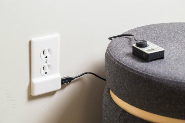 SnapPower - USB Charging Outlet Cover