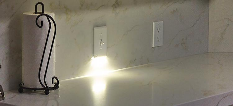 SnapPower SwitchLight - Light-Switch Night-Light