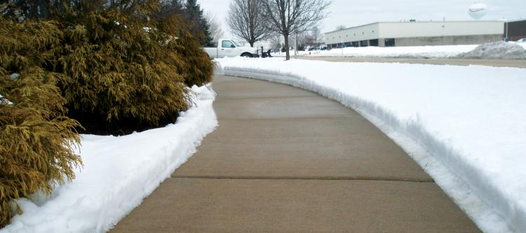 Snow and Ice Preemptive Treatment For Sidewalks and Driveways - de-ice spray solution