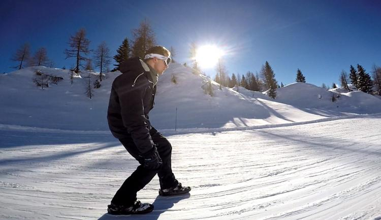 SnowFeet New Winter Sport Combines Skis and Skates