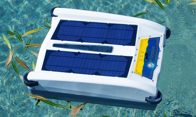 Solar Breeze NX 2017 - Solar Powered Pool Skimmer Robot - Roomba vacuum robot for your pool