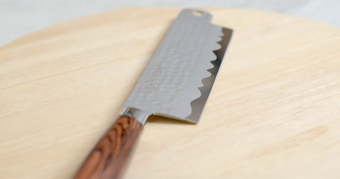 Speciale Swiveling Knife Installs Onto Any Cutting Board