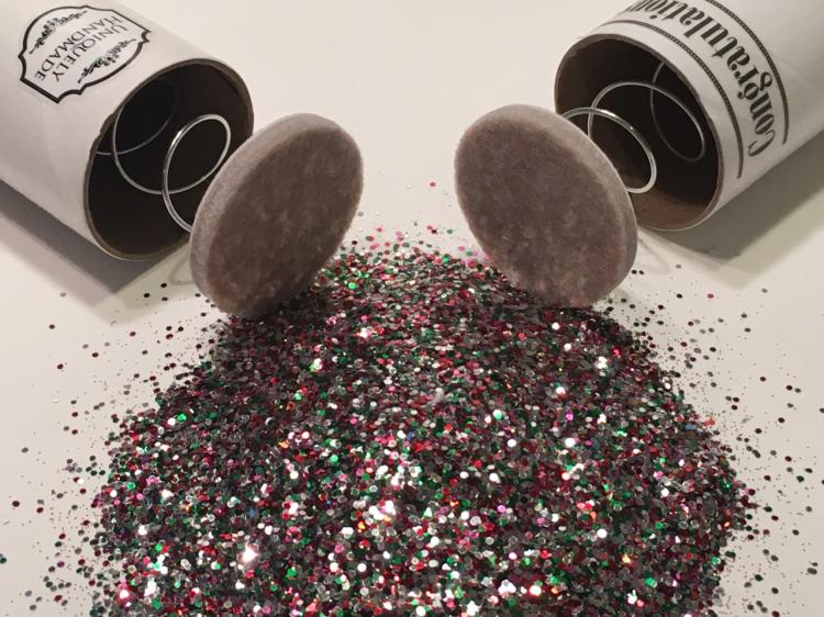 spring loaded glitter bomb you can send through the mail