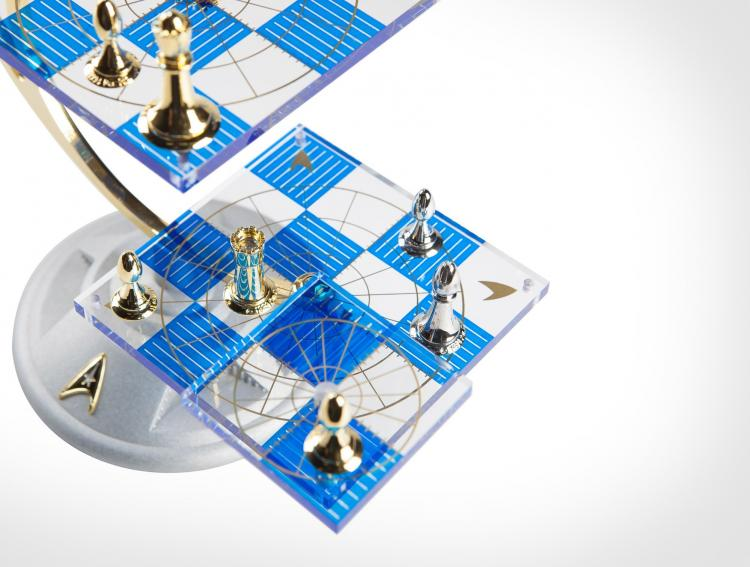 Star Trek Tridimensional Chess Set - Star Trek 3D Chess Replica