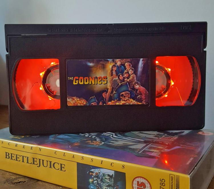 Goonies VHS Night-Light - Retro VHS lamp