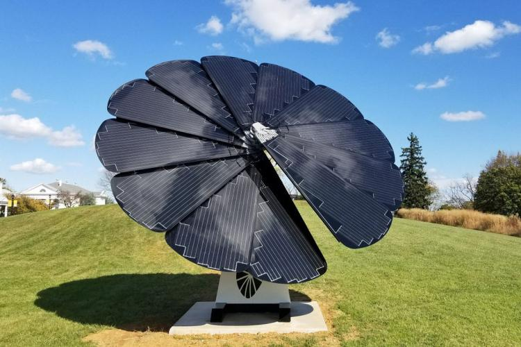 Sun-Tracking Smart Flower Shaped Solar Power Solution - Solar Tree