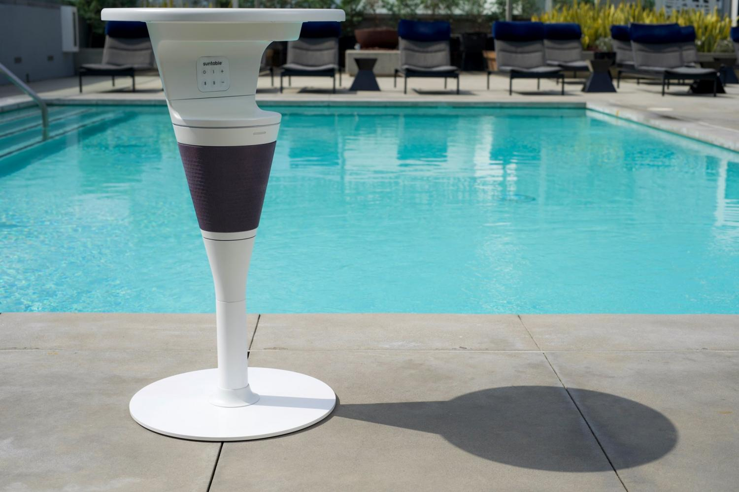 SunTable Is a 3-in-1 Solar Powered Table With an Integrated Speaker and Wireless Charger - Solar powered poolside table
