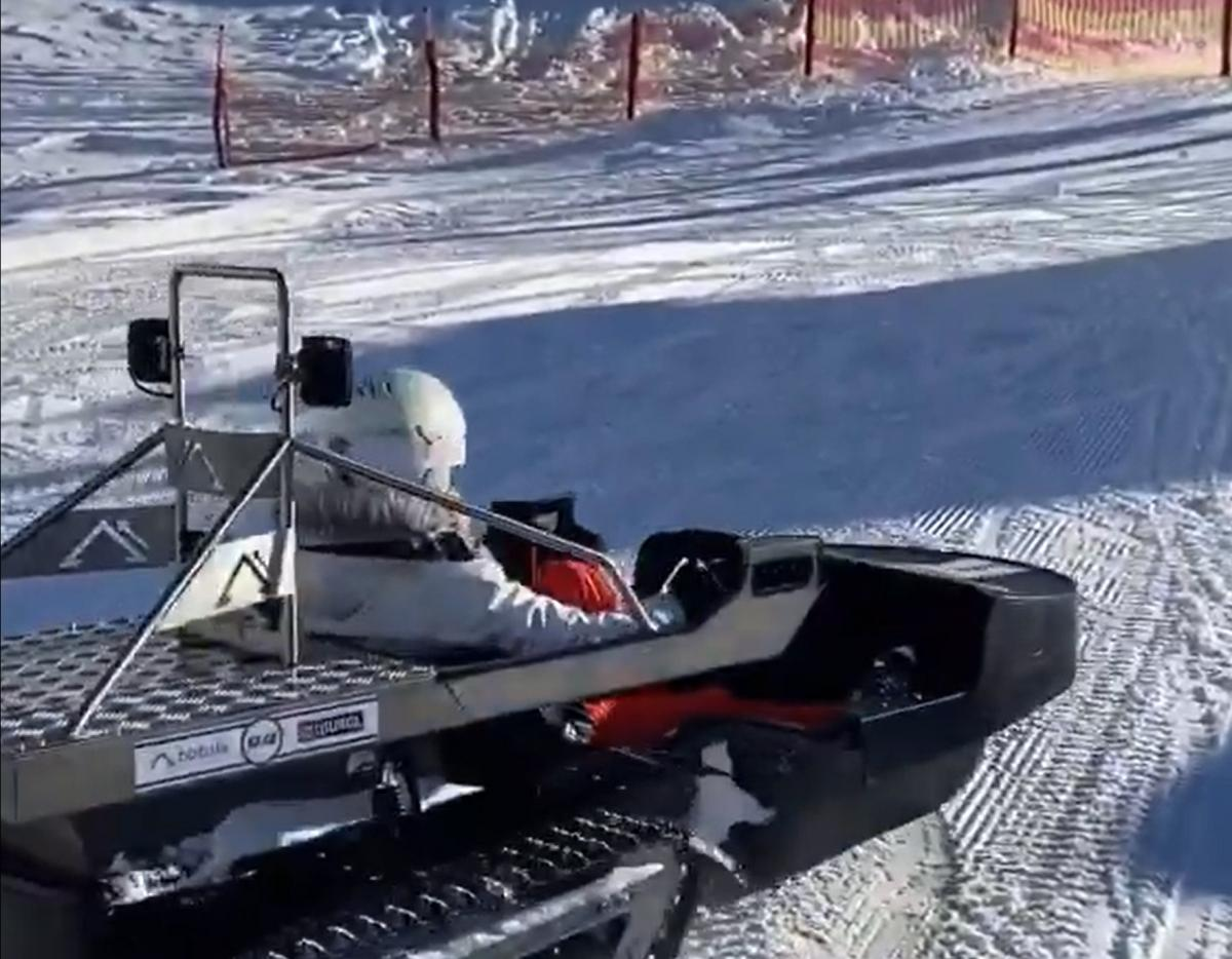 Bobsla Is a Winter E-Vehicle That's Part Go-Kart, Part Snowmobile, and It Drifts