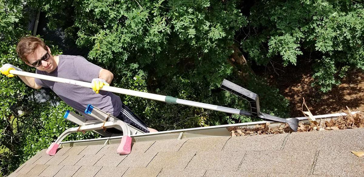 The Gutter Tool - Genius gutter debris cleaning tool