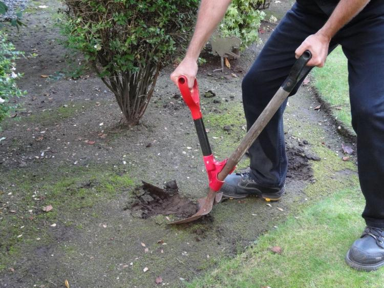 The Heft Ergonomic Second Handle Shovel Attachment - Back saving shovel attachment