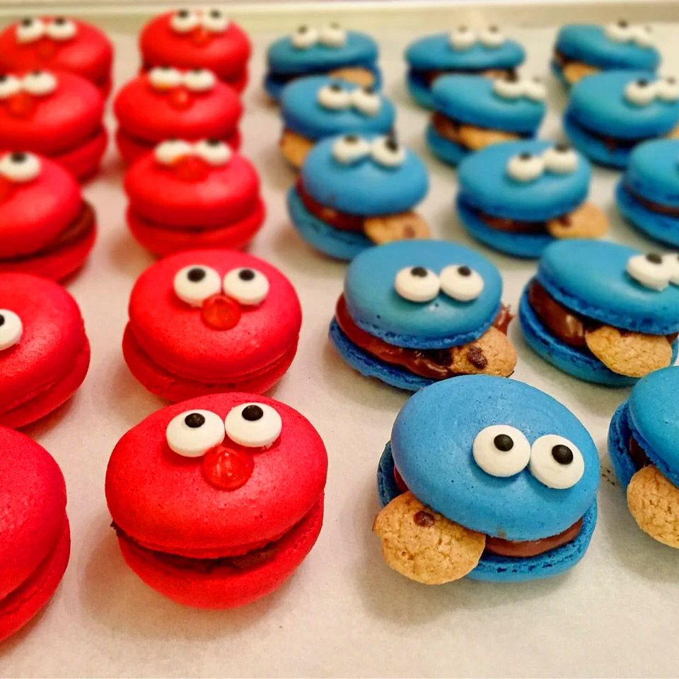 Elmo and Cookie Monster Macarons - Elmo and Cookie Monster Macarons Recipe