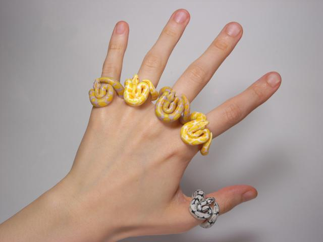 Cute Animal Rings Hug Your Fingers - Snakes