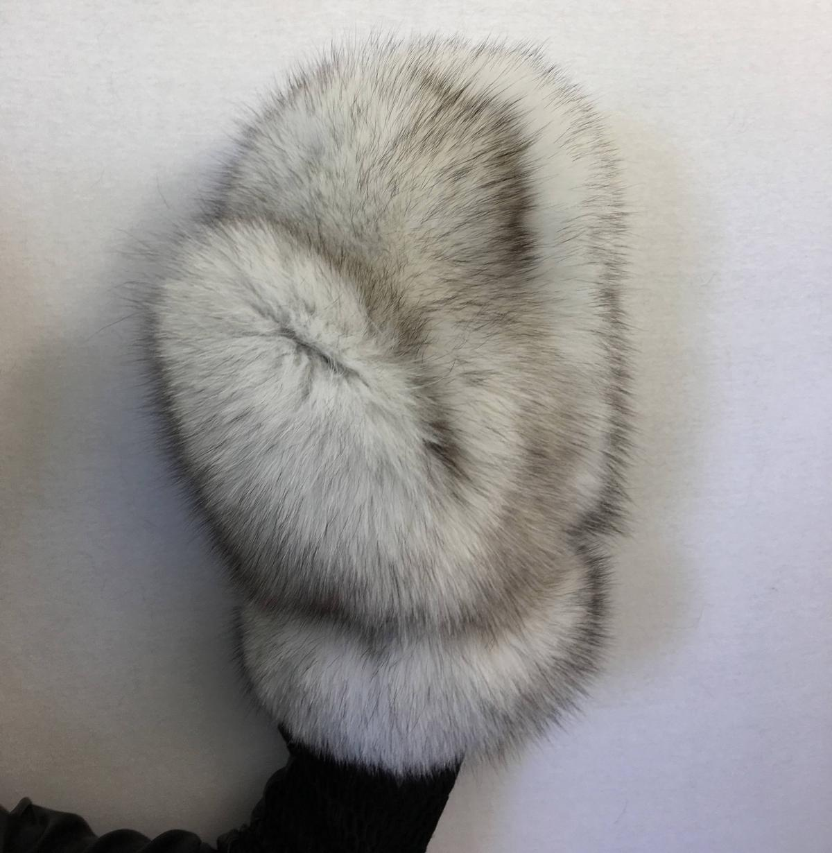 Giant Fur Mittens - Huge mittens