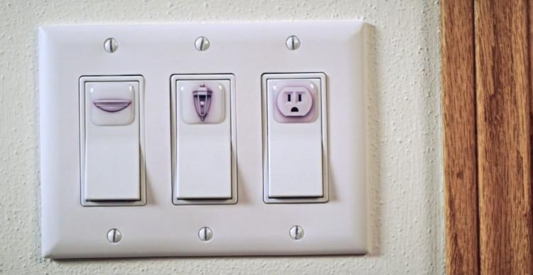 SwitchID Light Switch Cover Labels Help Identify What Switch Is For What - Light switch plate location icon stickers