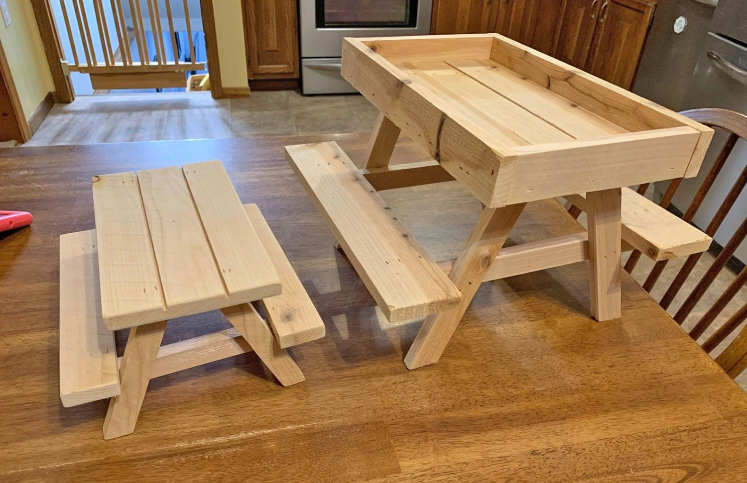 Mini Picnic Table For Chickens - Chicknic table - chicken picnic table