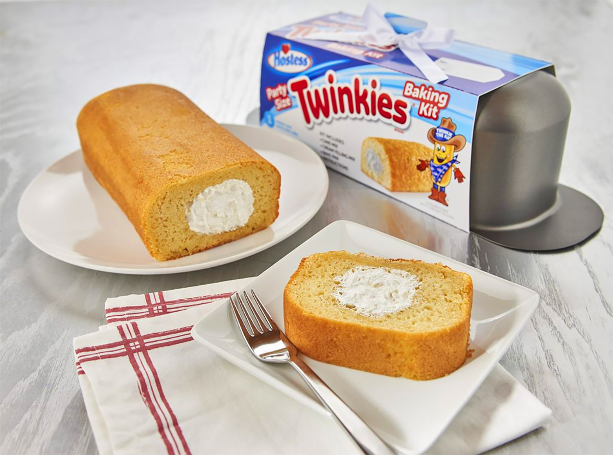 Giant Twinkies Pan - Bake your own giant Twinkie