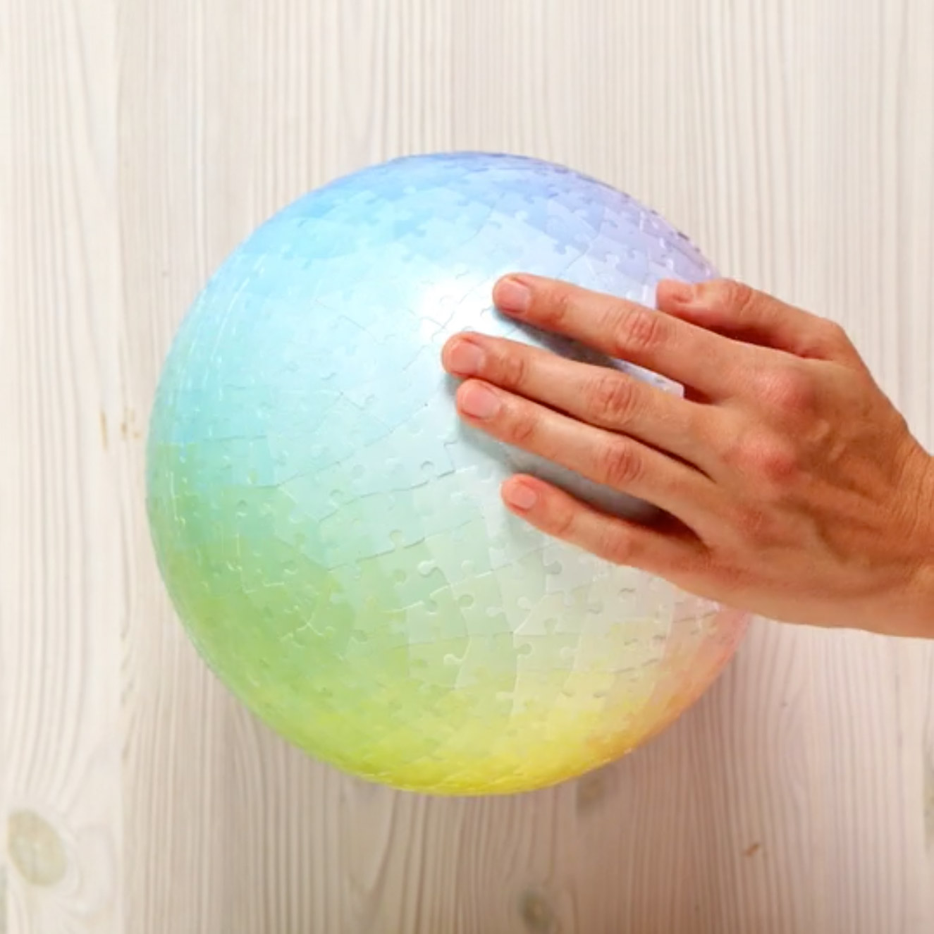 Sphere Shaped Gradient Puzzle Contains 540 Different Colors